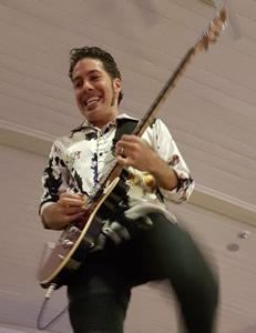 HAMILTON LOOMIS Concert a sure fire Hum Dinger :: Dereham